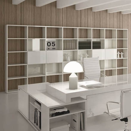 Bookcases/Shelving Systems