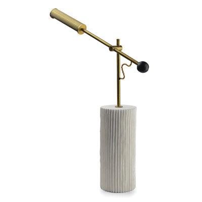 goldie schreibtischlampe mit schwenkarm aus messing arredaclick. Black Bedroom Furniture Sets. Home Design Ideas
