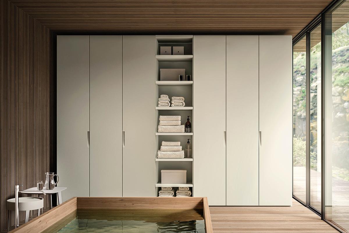 Armadio laccato con colonna libreria in tinta