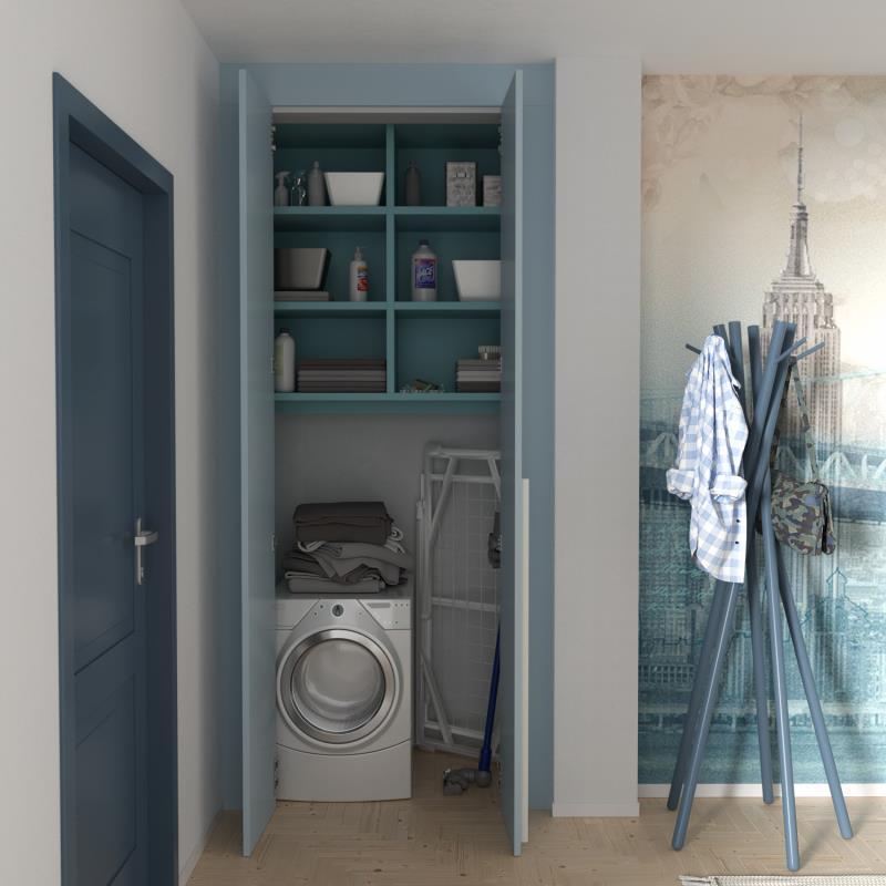 Nicchia in corridoio chiusa da ante e trasformata in lavanderia