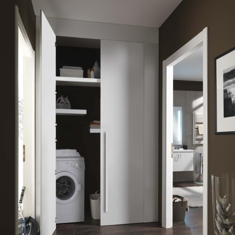 Armadio a muro per trasformare la nicchia del corridoio in lavanderia attrezzata