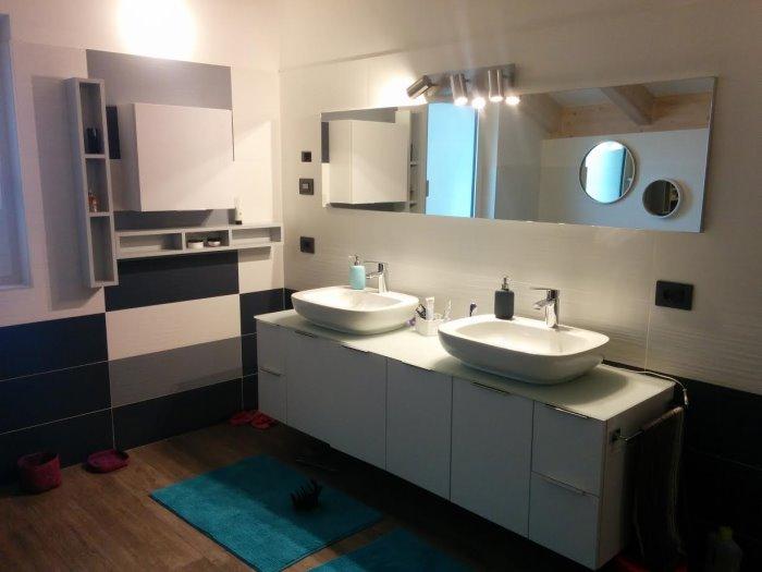 Idee il progetto 2 bagno per due in mansarda arredaclick - Mobile asciugamani bagno ...