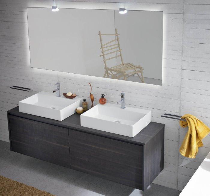 Bagno con due lavabi in appoggio Atlantic N49