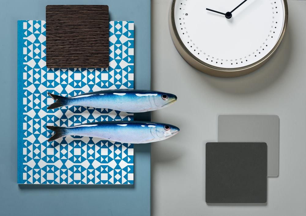 Moodboard ispirazione: azzurro, grigio, legno scuro