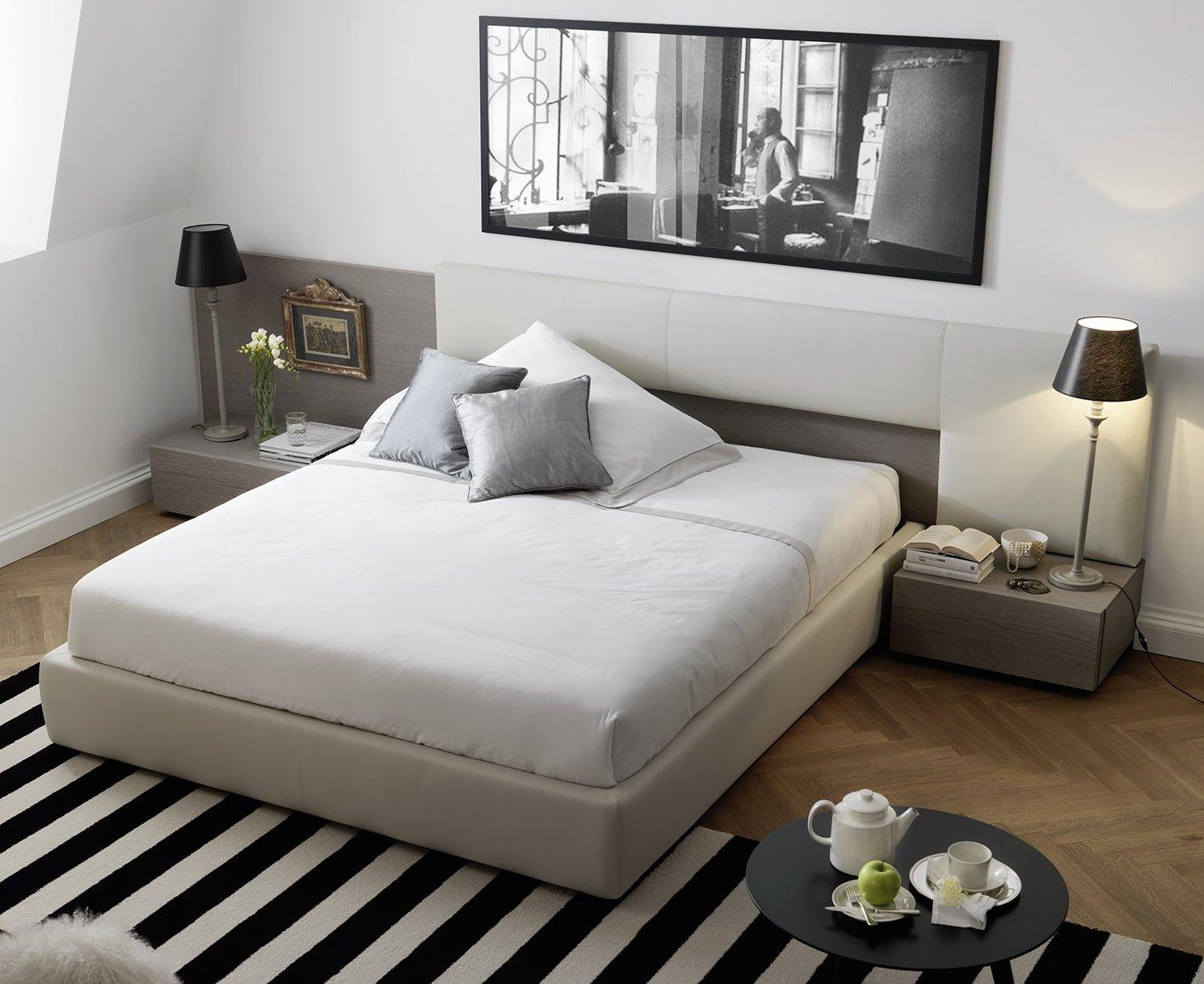Idee testiera boiserie per un letto su misura arredaclick - Camere da letto con letto rotondo ...