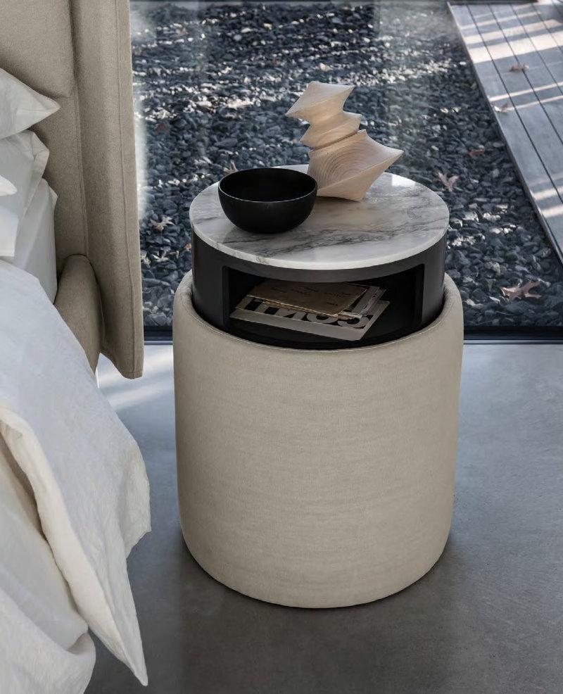 Comodino contenitore Soho, particolare e rotondo, ideale lato divano