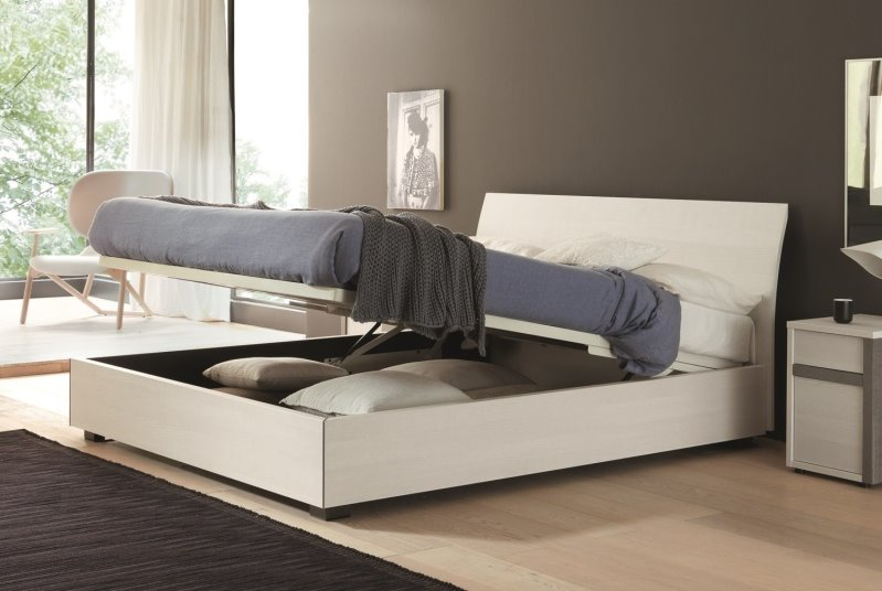 Letto Karisma: con rete letto cm 140, senza contenitore o con box ad alzata semplice o doppia