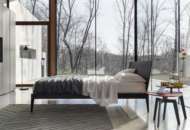 Il letto in legno Illinois è ideale a centrostanza, anche di fronte ad un armadio con spazio tv