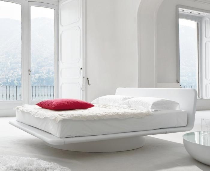 Idee letti sospesi illusioni ottiche in camera da letto for Struttura letto sospeso