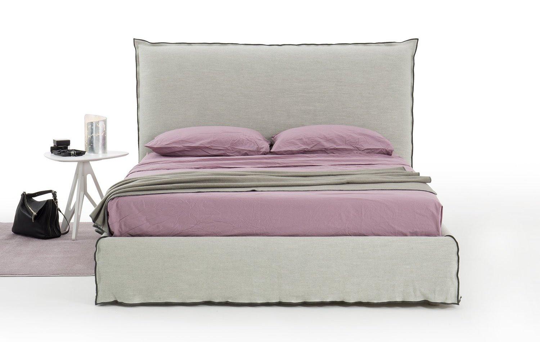 Idee 10 letti con testiera alta arredaclick - Cuscini camera da letto ...