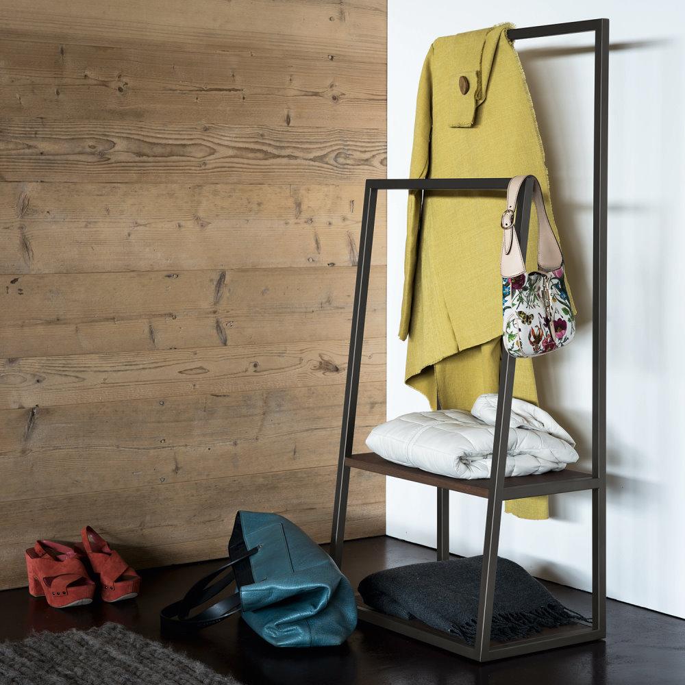 Servomuto in legno con supporto per giacche, pantaloni e ripiani multiuso - Kigo