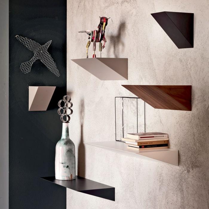 Composizione di mensole di design triangolari - Pendola