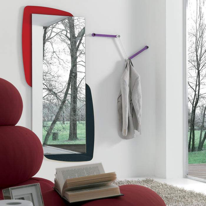 Specchio a figura intera con cornice a due colori
