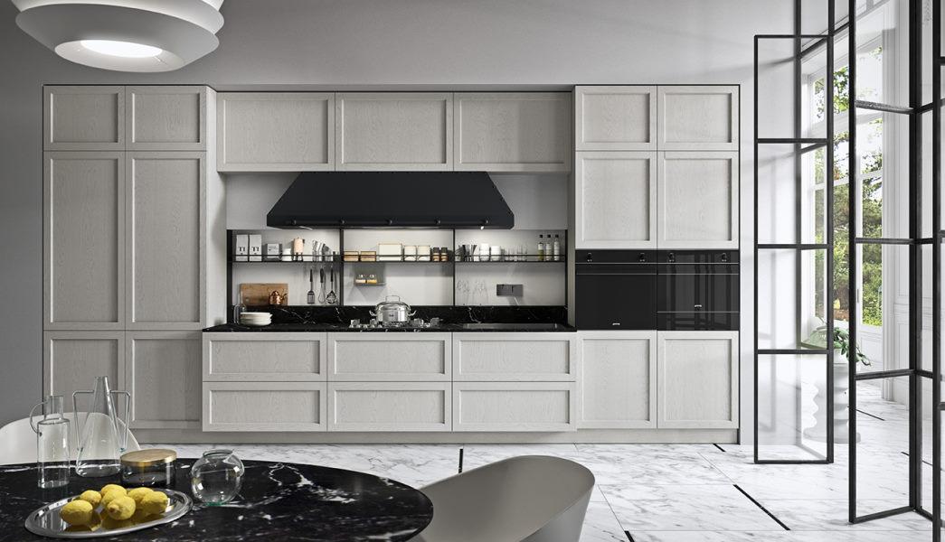 Cucina bianca contemporanea lineare con ante a telaio e top nero Fifty 02