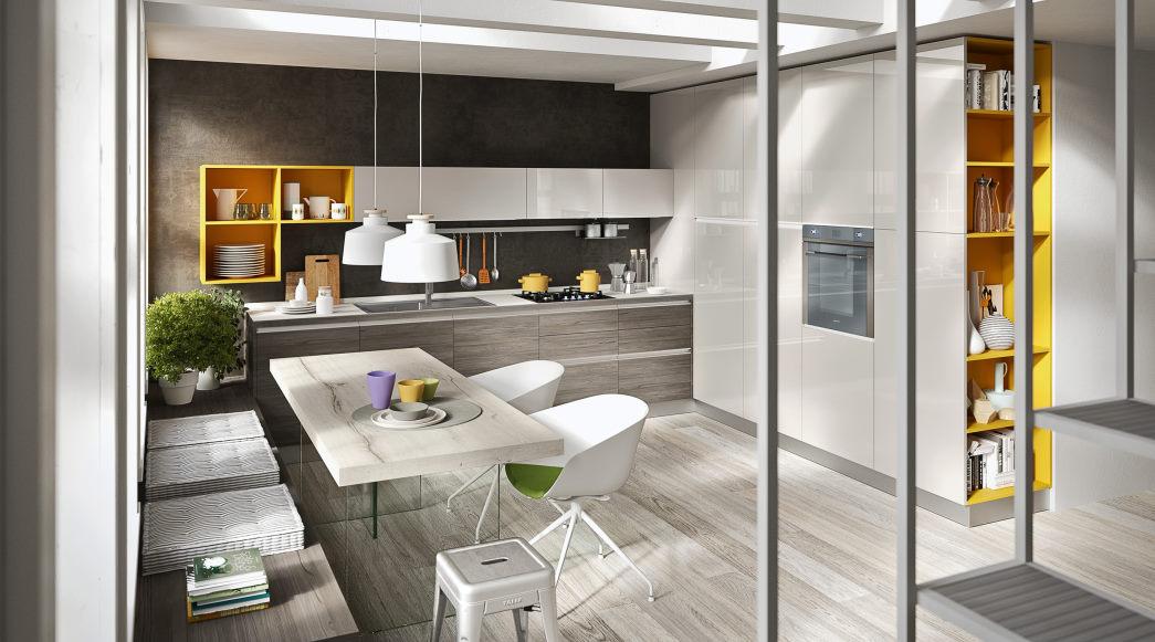 Cucina ad angolo con basi legno, colonne bianche lucide, mensole gialle Five 04