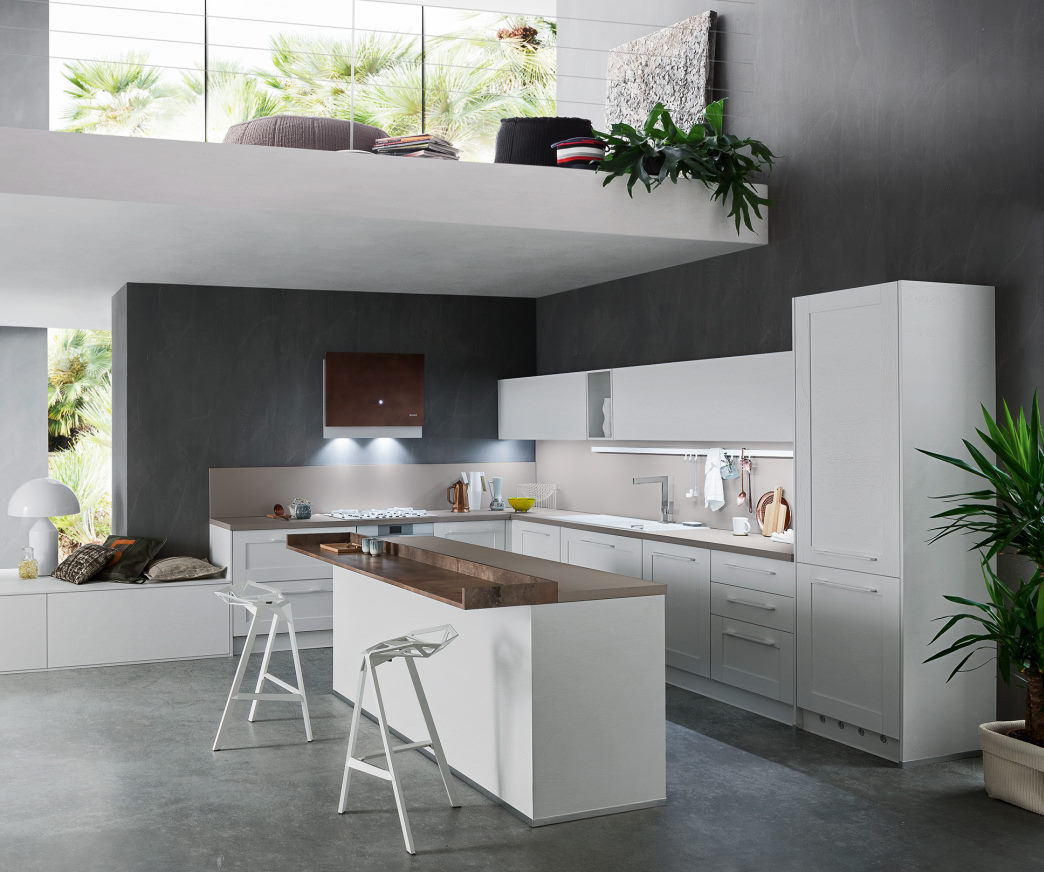 Cucina bianca con top beige e bancone centrale Fourty 03