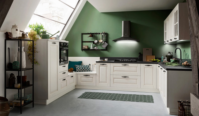 Cucina bianca a ferro di cavallo per ambienti mansardati - Twenty 01