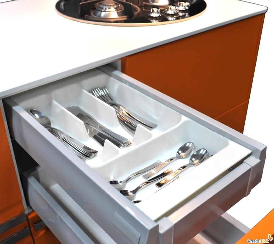Mini cucina per piccola casa idee per interni e mobili - Cucina per casa ...
