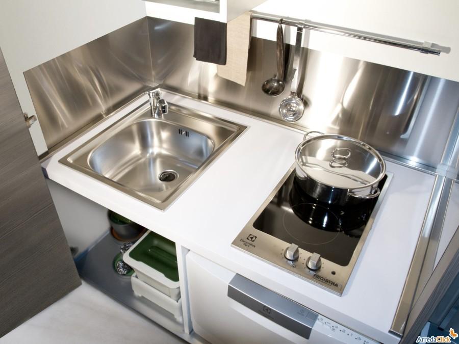 Mini Cucine Per Monolocali. Stunning La Cucina Monoblocco Di Clei E ...