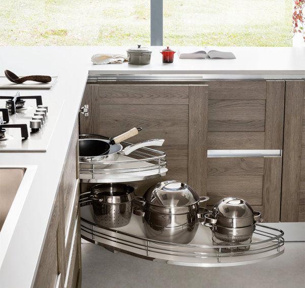 Base cucina ad angolo con ripiani estraibili