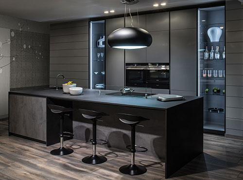 Grey lacquered kitchen with no handles
