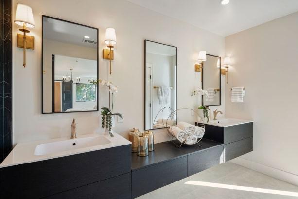 Bagno padronale con mobile doppio lavabo