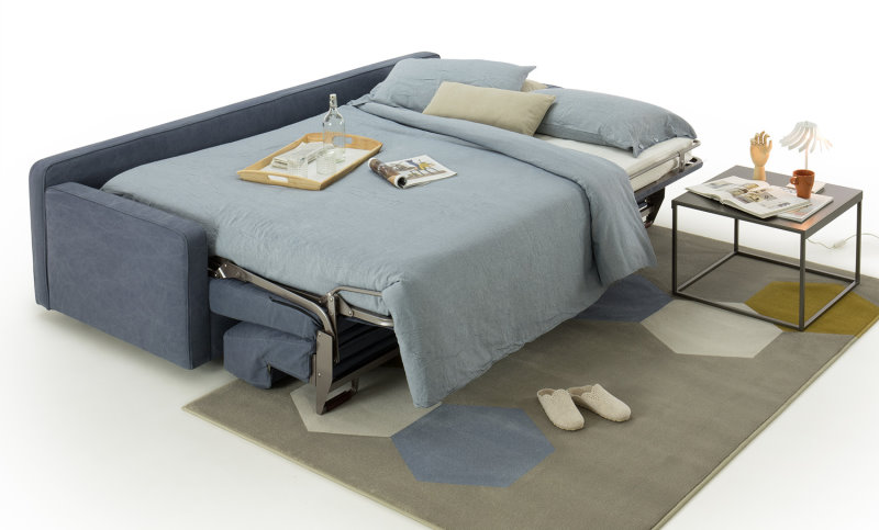 Divano letto con dormita orizzontale ideale per stanze lunghe e strette dove non è possibile l'apertura di un divano letto tradizionale