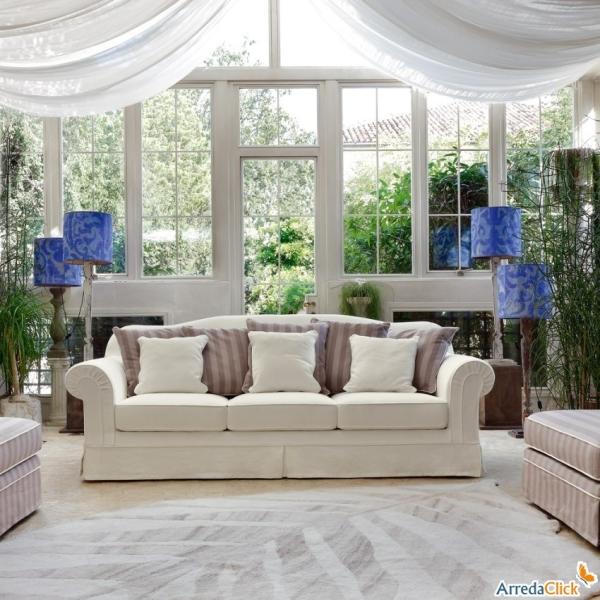 Idee divani bianchi pelle ecopelle o tessuto for Arredamento divani