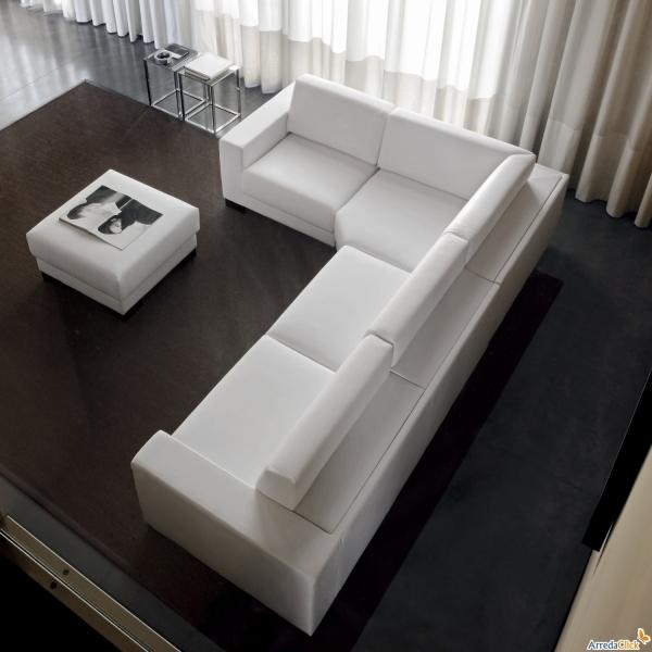 Idee divani bianchi pelle ecopelle o tessuto - Divano ecopelle angolare ...