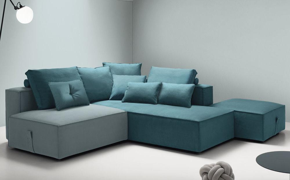 Divano Nimes componibile, personalizzabile, proposto bicolore blu e grigio