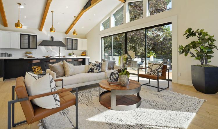 Progetto di cucina open space con divano centrale - villa a San Francisco