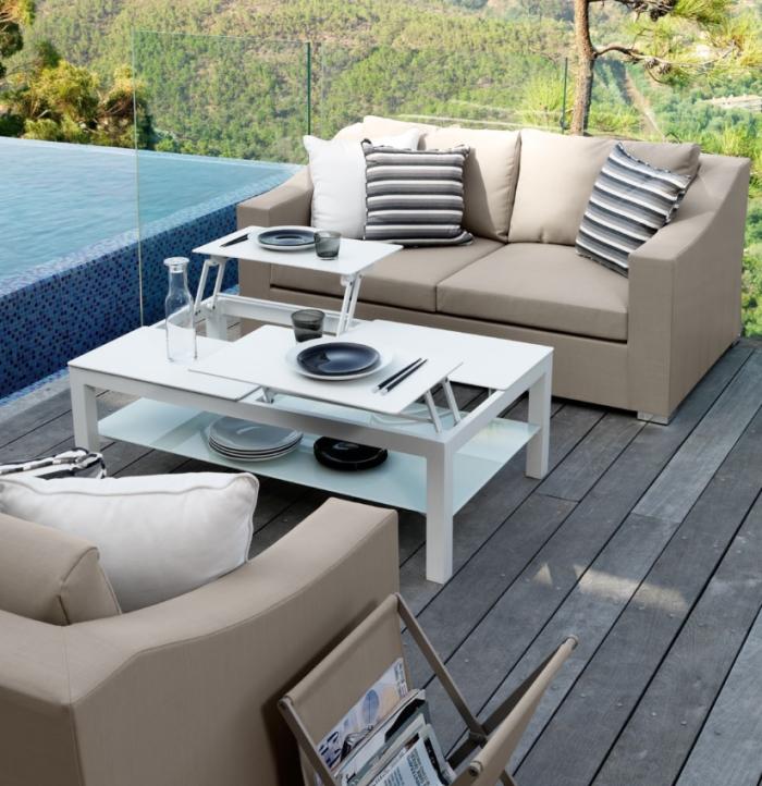 Idee 10 idee per un salotto in terrazzo arredaclick for Divani da terrazzo