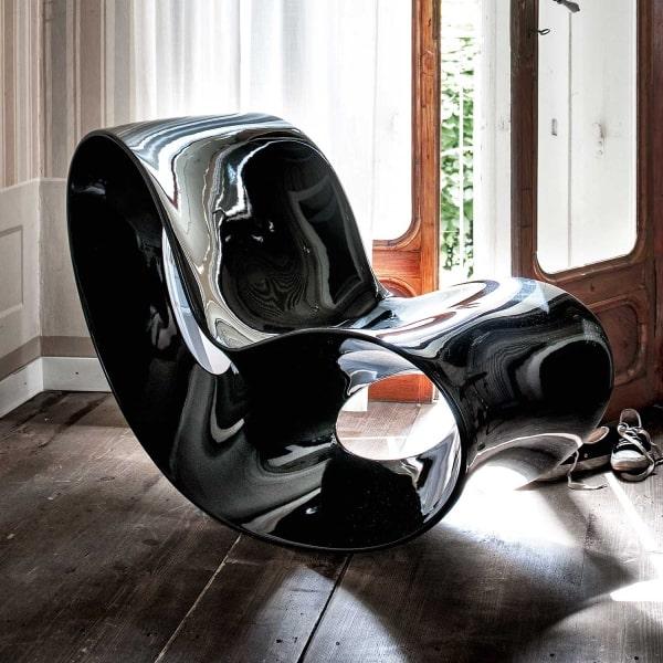 Poltrona di design in plastica nera Voido