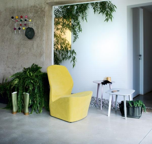 Poltrona di design in tessuto giallo Edith