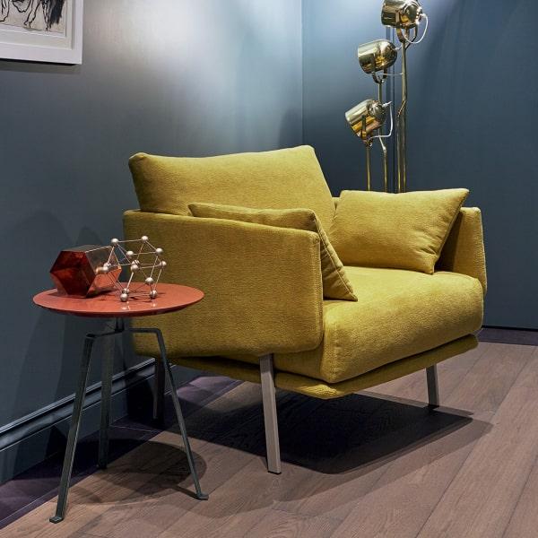 Poltrona in velluto giallo Structure Armchair