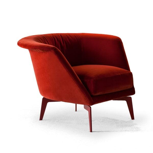 Poltrona in tessuto rosso Lovy