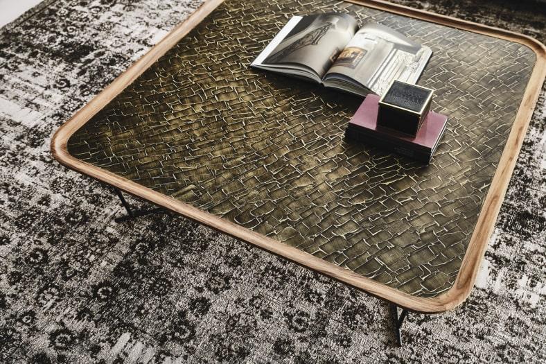 Tavolino basso moderno in legno di noce Sinai