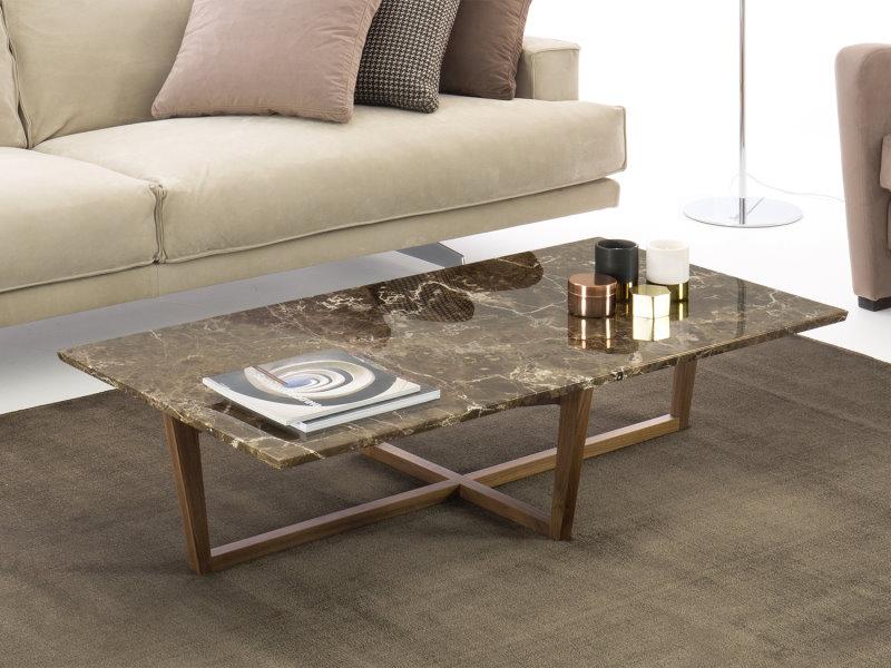 Tavolino rettangolare basso con piano in marmo Emperador e struttura in legno - Grant