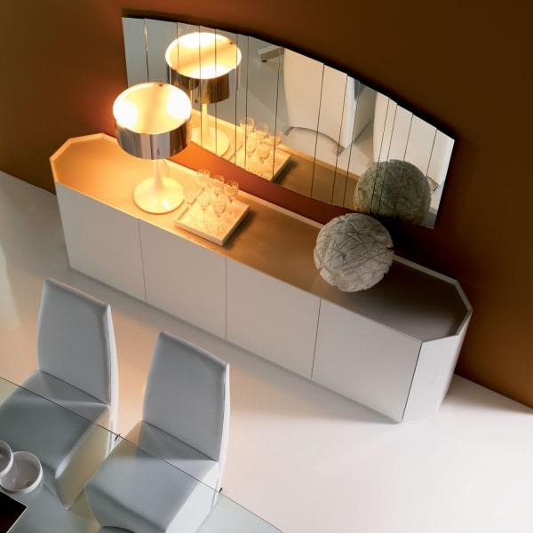 Credenza elegante con piano in vetro Chelsea