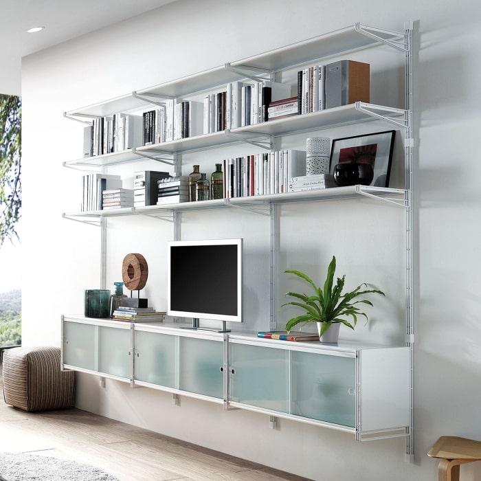 Parete arredata con libreria componibile in metallo - Socrate