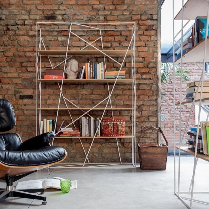 Idea per arredare la parete usando uno scaffale/libreria - Naviglio