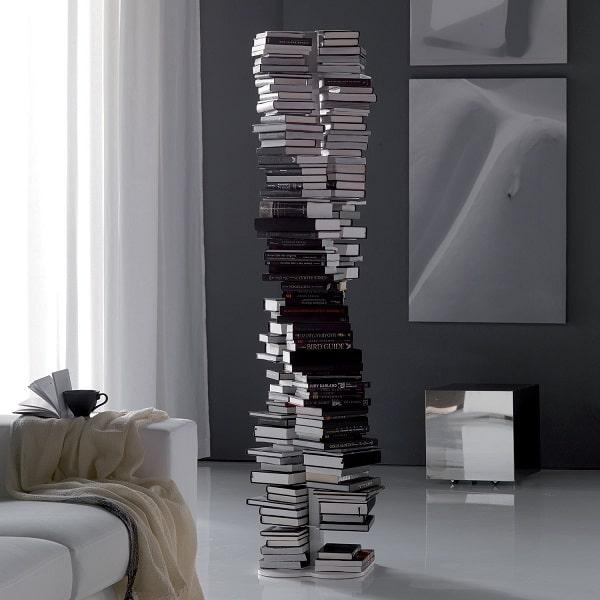 Libreria con libri orizzontali Dna