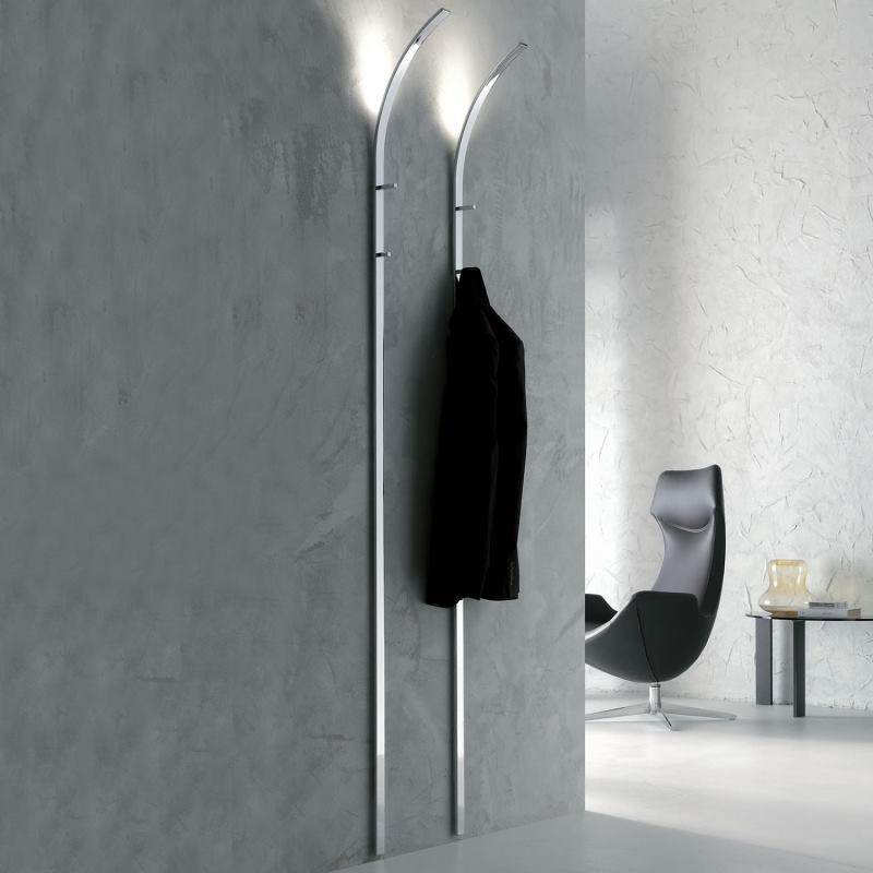 Ingresso corridoio con due appendiabiti verticali con luce integrata - Ines