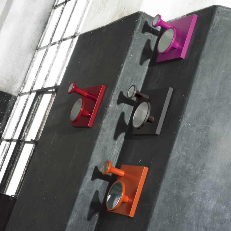 Appendiabiti a parete in legno colorato con gancetti tondi con specchietti - Sax