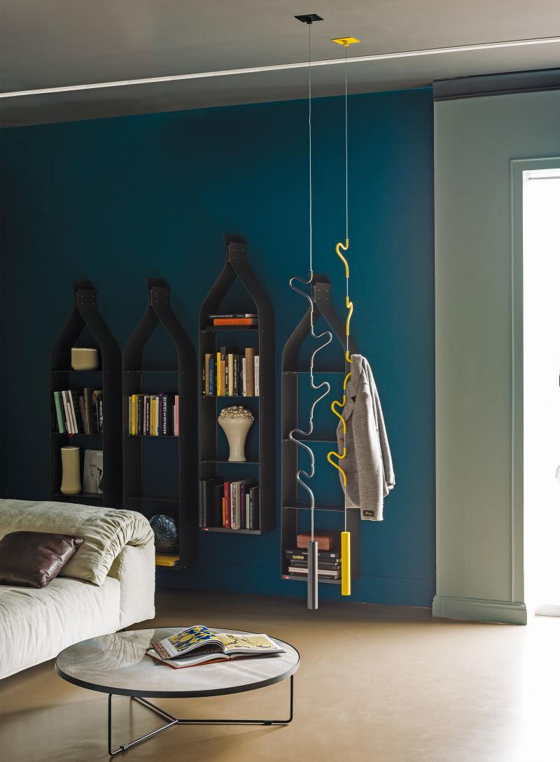 Due appendiabiti grigio e giallo sospesi al soffitto - Air