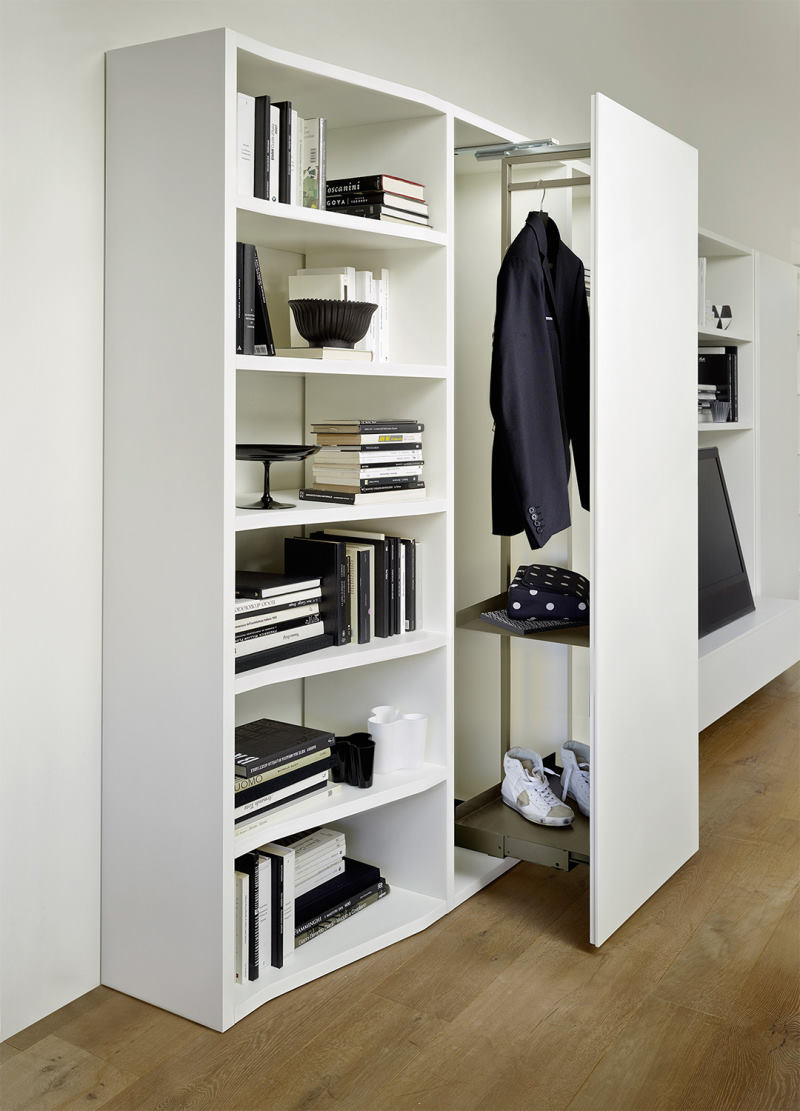 Guardaroba a un'anta estraibile integrato in mobile per soggiorno - Way 22