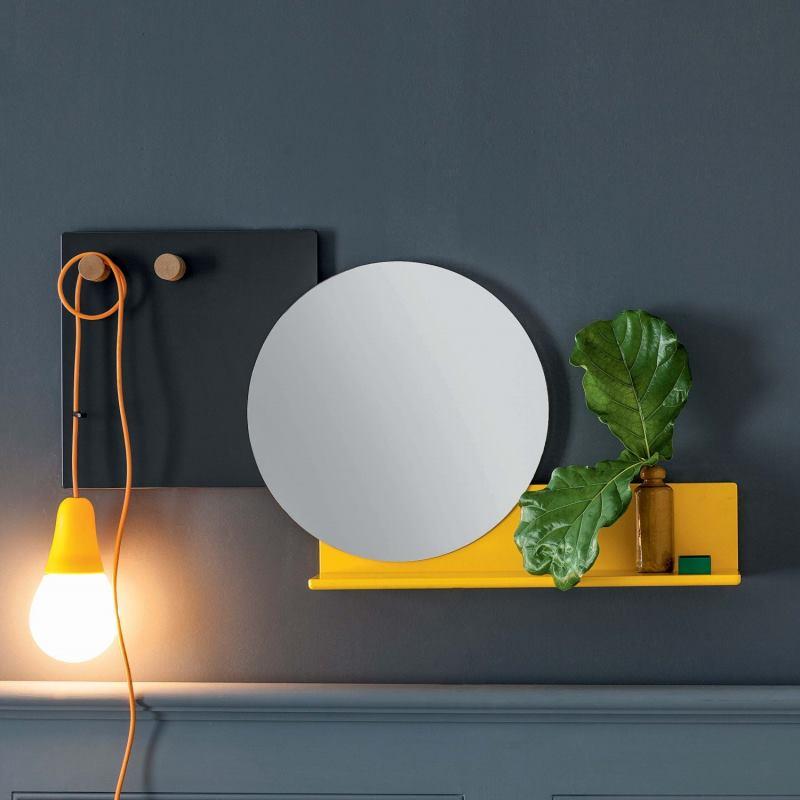 Specchio rotondo con mensola e pannello attaccapanni integrati - Piers