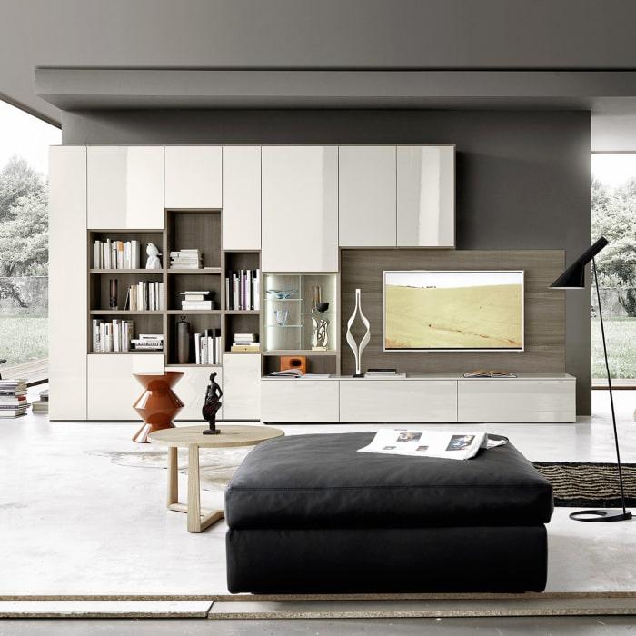 Muro totalmente arredato con basi, pensili e pannello TV - Collezione Way
