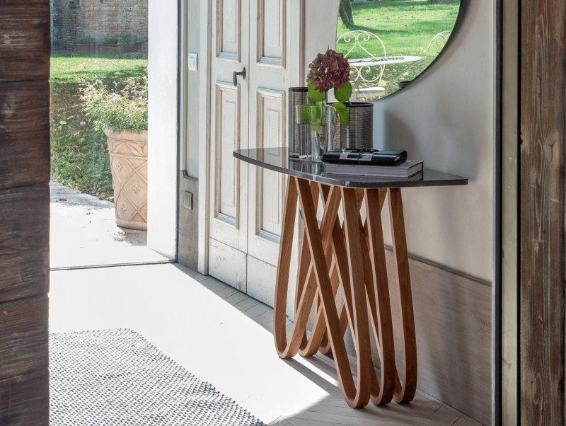 Consolle in marmo nero Marquinia lucido con struttura in legno essenza noce canaletto - Arpa