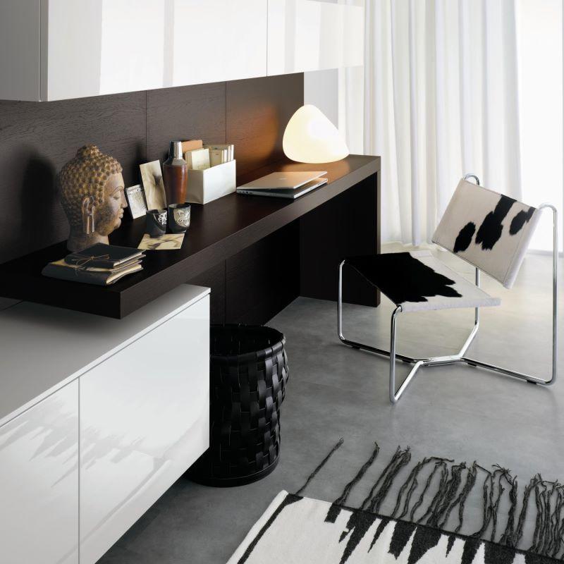 Scrittoio a L a parete integrato in mobile soggiorno